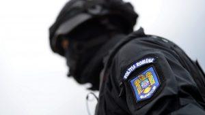 """Unul dintre poliţiştii reţinuţi în dosarul Piteşti are antecedente penale. Cum a devenit din """"erou"""" suspect de furt"""