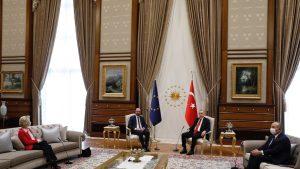 Cum se apără Turcia, după ce Erdogan nu i-a oferit un scaun şefei Comisiei Europene