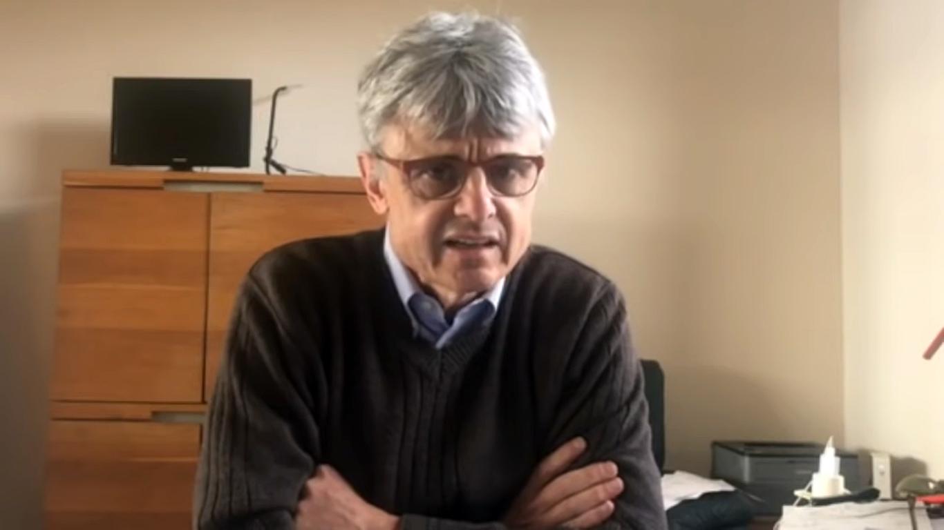 """Un virolog care a lucrat pentru Bill Gates avertizează că vaccinarea în masă ar putea fi """"un pas mic împotriva virusului și o catastrofă pentru omenire"""""""