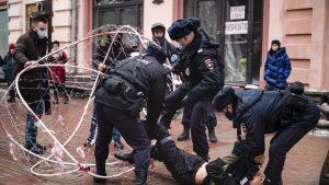 Peste 200 de oameni au fost reținuți în Rusia, la protestele pro-Navalnîi. Zeci de mii de oameni, așteptați la miting în această seară