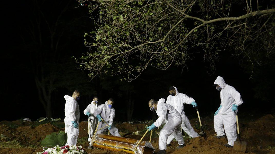 Situație dramatică în Brazilia. Se fac înmormântări și noaptea din cauza numărului imens de decese