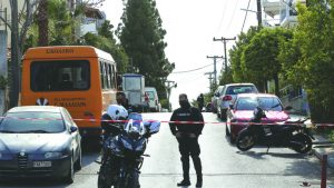 """Un jurnalist de investigaţie a fost asasinat în fața casei, la periferia orașului Atena. Guvernul Greciei se declară """"şocat"""""""
