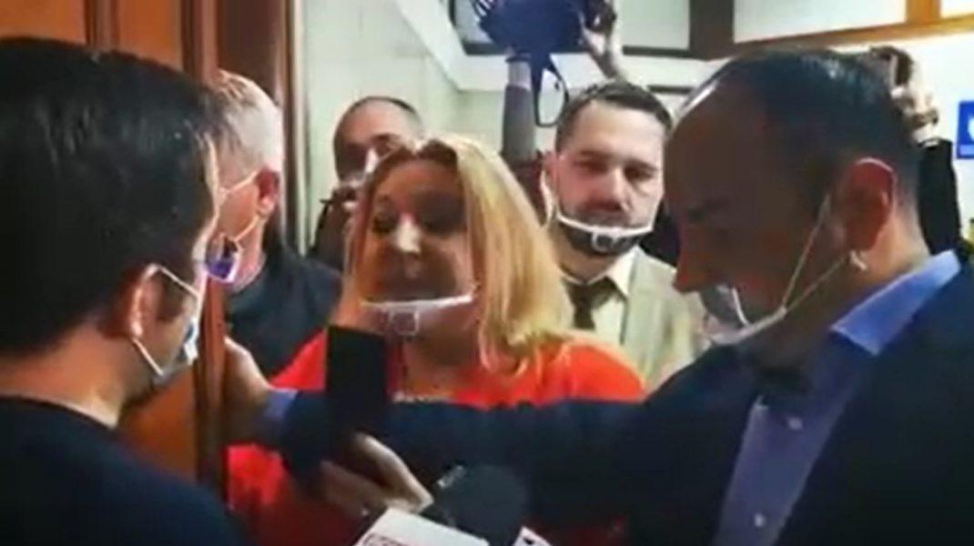 """Diana Șoșoacă, un nou scandal în Parlament. Senatoarea a sunat la 112 și a spus că a fost """"bruscată și lovită"""". VIDEO"""