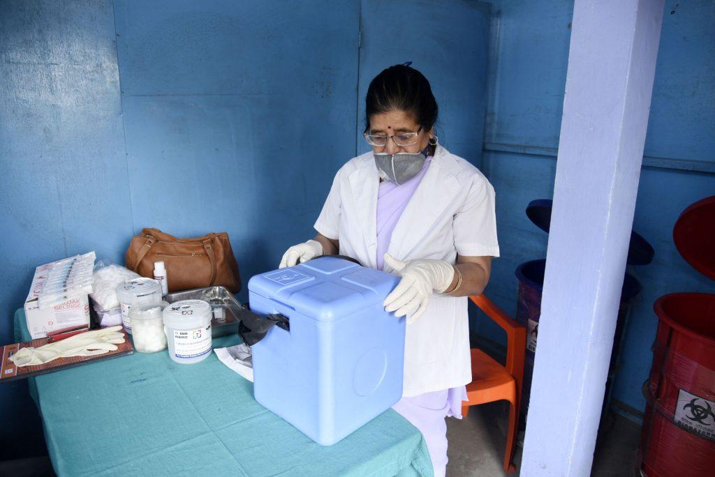 Analiză BBC: Al doilea val mortal de coronavirus care a pus stăpânire pe India în mai puțin de trei luni. Unde au greșit autoritățile