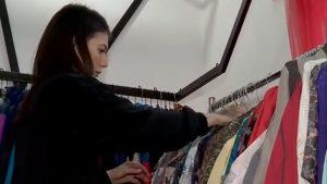 Cum readucem la viață hainele pe care nu le mai purtăm? Tendințele momentului