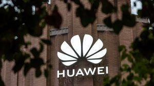 Huawei încă e afectată de sancțiunile americanilor. Va produce doar 70 de milioane de device-uri în 2021, o scădere cu 60% față de 2020