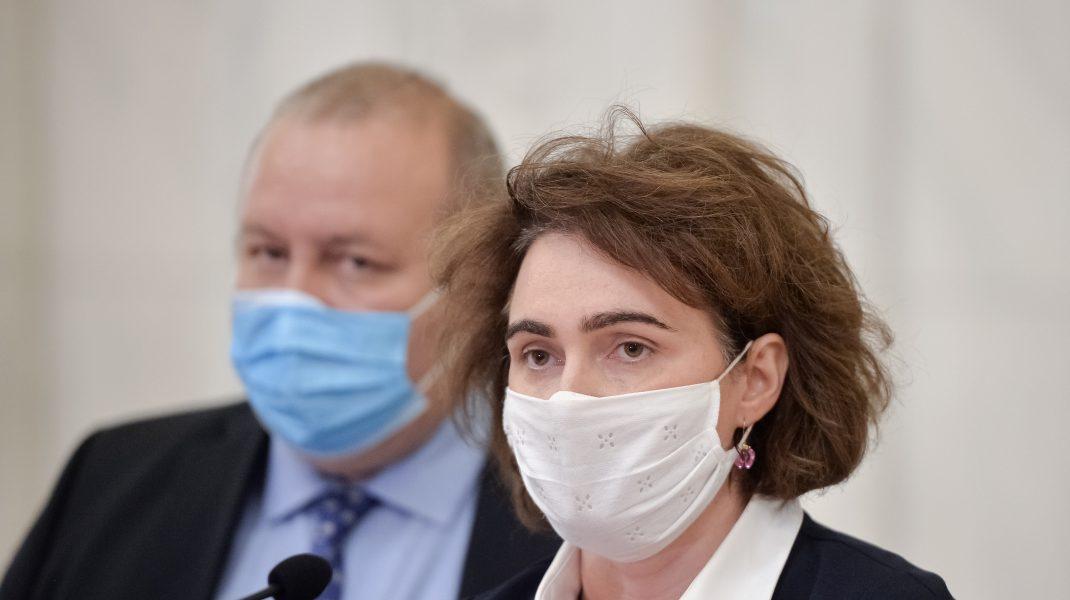 Prima reacție a Iulianei Scântei, după ce Diana Șoșoacă a făcut scandal în Parlament. Ce sancțiune riscă senatoarea?