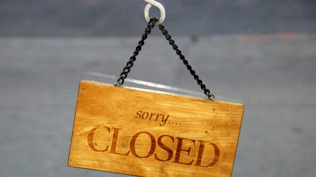 Motivul pentru care se închid magazinele la ora 18 în weekend. Explicația dată de Raed Arafat