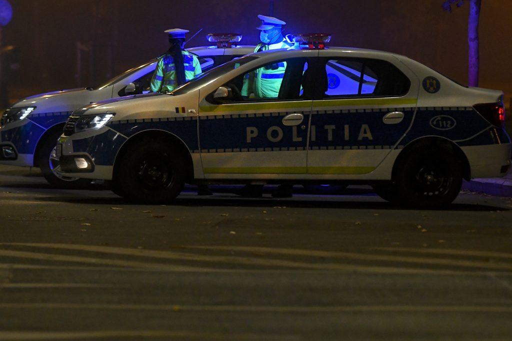 Mașini de poliție.