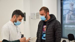 """Mărturia unui medic imunizat. Cum s-a infectat, la 2 luni după vaccinare: """"Vaccinul nu ne protejează neapărat împotriva infectării"""""""
