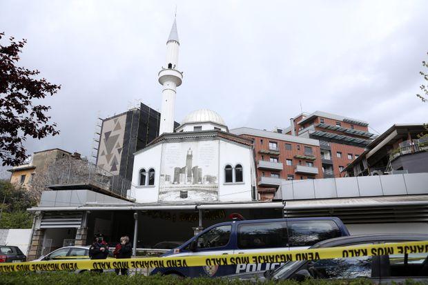 Mai mulţi răniţi, în urma unui atac comis într-o moschee din capitala Albaniei