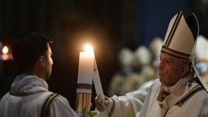 Paștele la Vatican. Mesajul transmis de Papa Francisc după ce a împărțit lumina