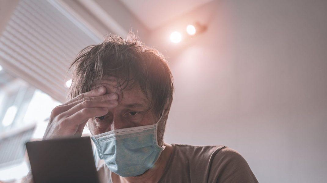 Simptomele care indică o infecție cu COVID-19 după vaccinare
