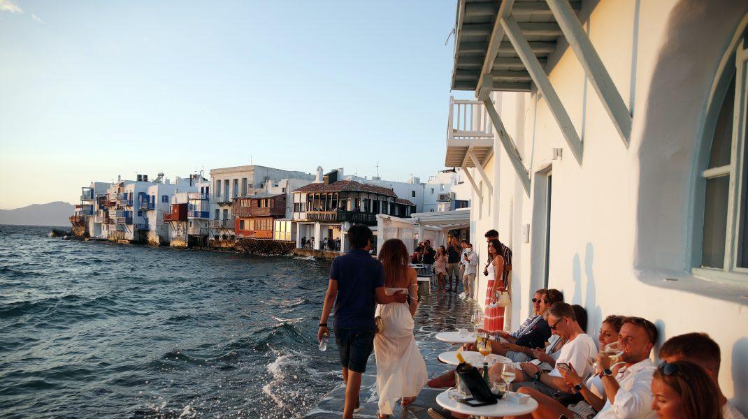 Start la vacanţă. Sectorul turistic din Grecia se redeschide în acest weekend