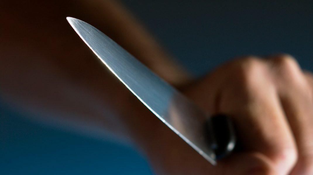 Un bărbat din Bucureşti, prins cu un cuţit la vedere când se plimba cu autobuzul