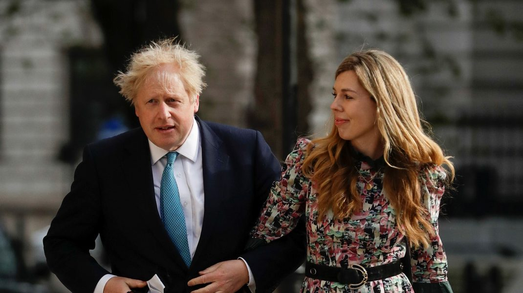 Primele imagini de la nunta secretă a premierului britanic Boris Johnson și Carrie Symonds