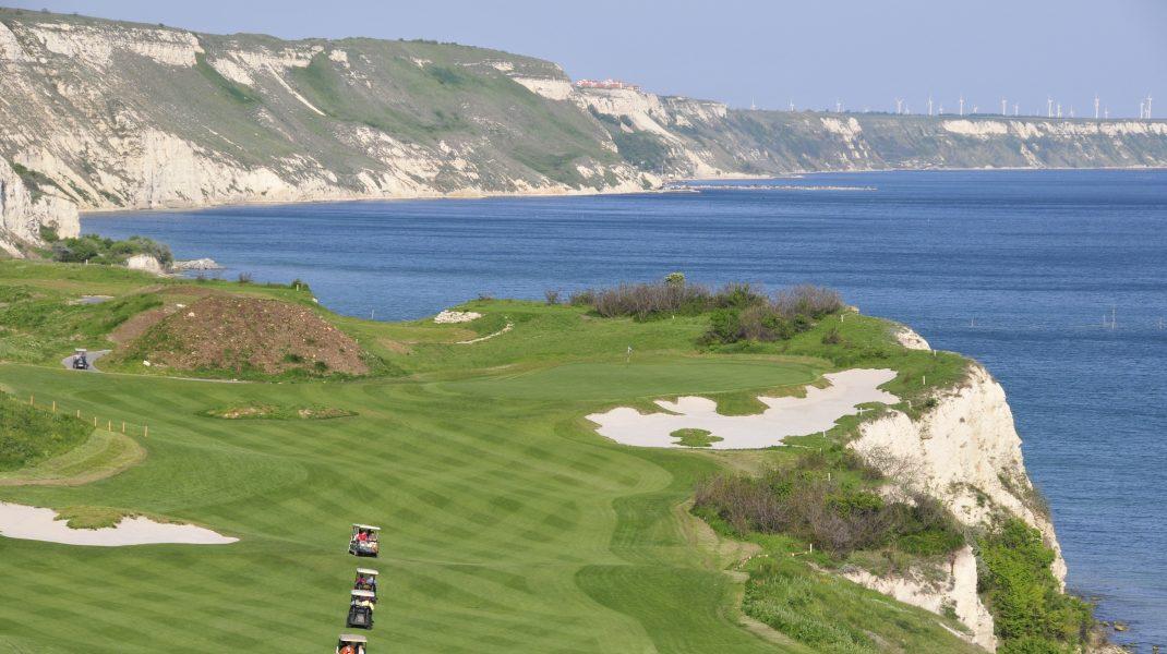 Resortul Thracian Cliffs în Bulgaria.
