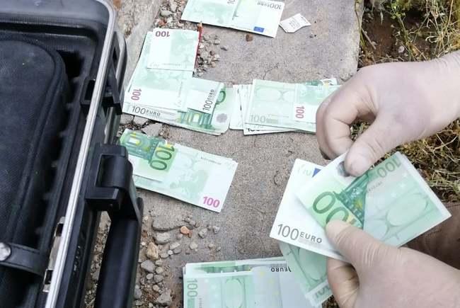 banii euro furati in judetul timis, la boldur.