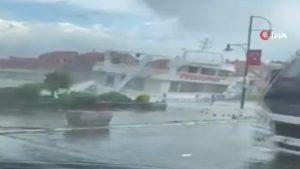 Dezastru de proporții în Turcia după o furtună puternică. Zeci de bărci răsturnate și stâlpi de electricitate smulși din pământ. VIDEO