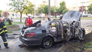 Mașină care a explodat în Arad. La volanul ei se găsea omul de afaceri Ioan Crișan.