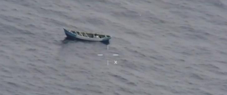 O adolescentă, salvată după ce a plutit în derivă pe mare timp de 22 de zile. VIDEO