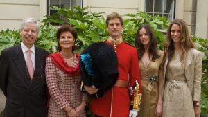 Prințul austric suspectat de uciderea celui mai mare urs din România se află în succesiunea la tronul Liechtenstein. Tatăl lui l-a decorat pe Kluas Iohannis