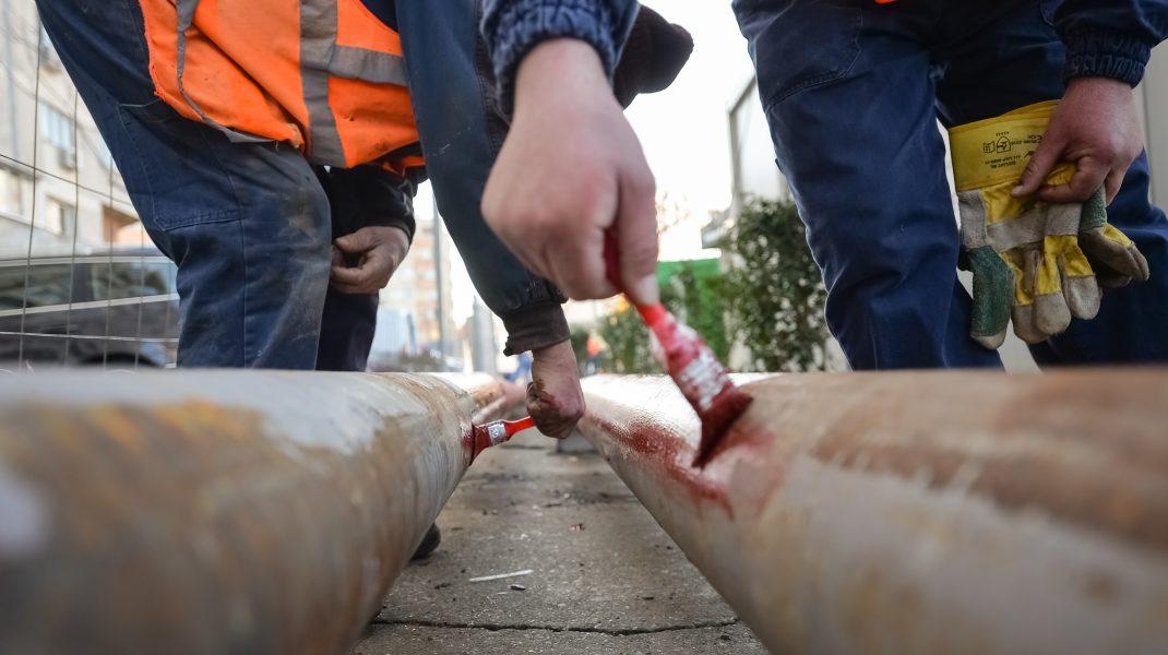 Sistemul de termoficare din București în timp ce este reparat.