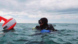 un scafandru in marea neagra.