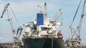 Cum au ajuns 2 milioane de români investitori la cel mai mare transportator de mărfuri pe Dunăre