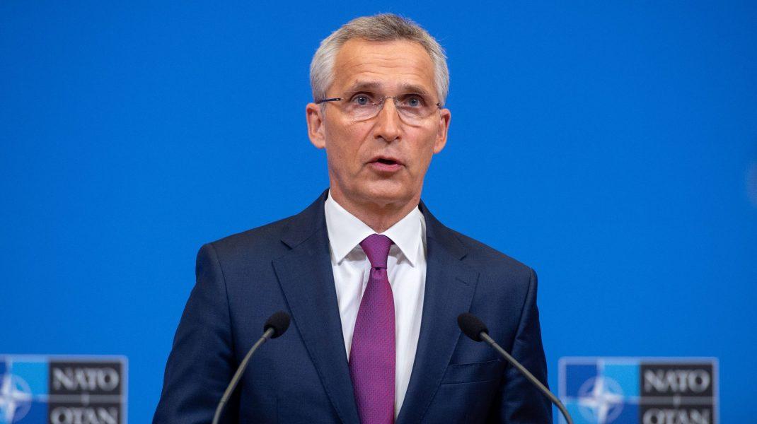 Secretarul general NATO, Jens Stoltenberg, într-o conferință de presă.