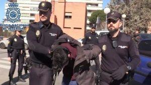 Un bărbat care este prins de poliție după ce a primit 15 ani de închisoare.