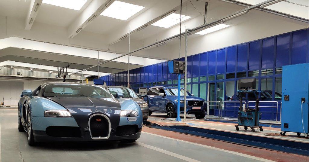 Bugatti Veyron inspectat de RAR. Foto: Facebook/RAR