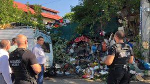 Poliția Locală din Sectorul 1 intervine în scandalul gunoaielor.