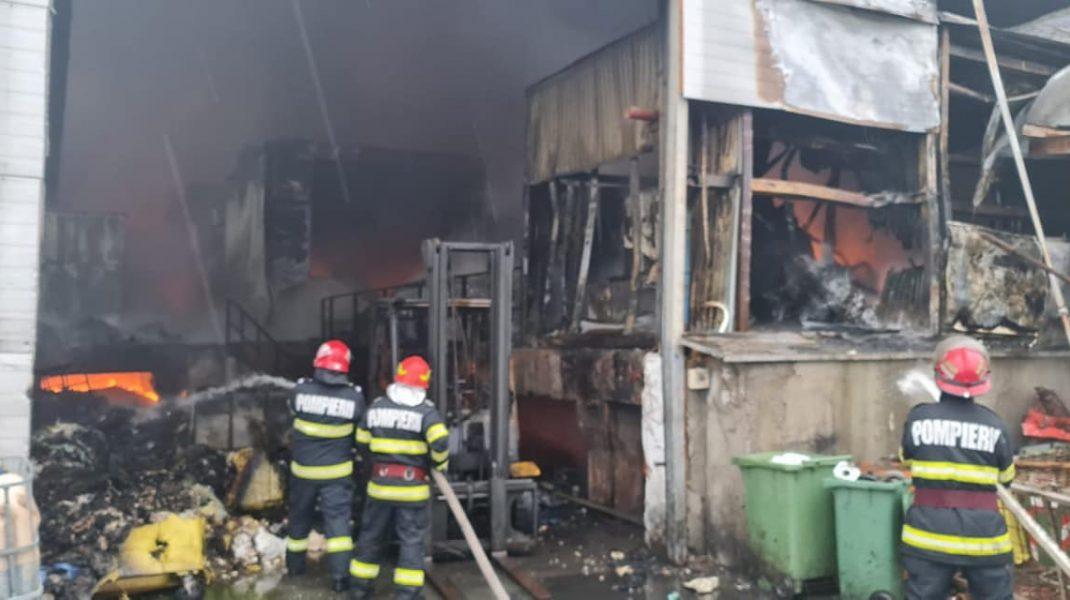 Incendiu la platforma Eco Burn. Foto: Garda de Mediu Prahova