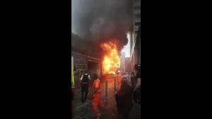 Explozie la o stație de metrou din Londra, în urma căreia a pornit un incendiu.