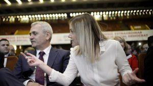 Liviu Dragnea și Irina Tănase la Sala Palatului stând pe scaune.