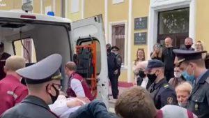 VIDEO. Prizonierul politic Stepan Latypov și-a tăiat gâtul în timpul procesului. Ce a spus înainte de a recurge la acest gest