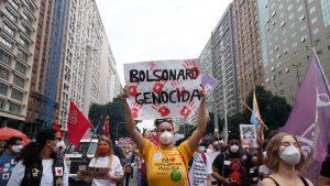 Protest în Brazilia față de politica de gestionare a pandemiei a lui Jair Bolsonaro.