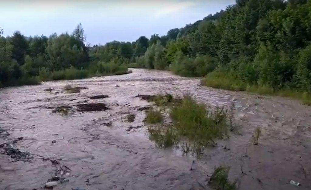METEO. Hidrologii au emis Cod Portocaliu de viituri valabil pe râuri din 25 de județe