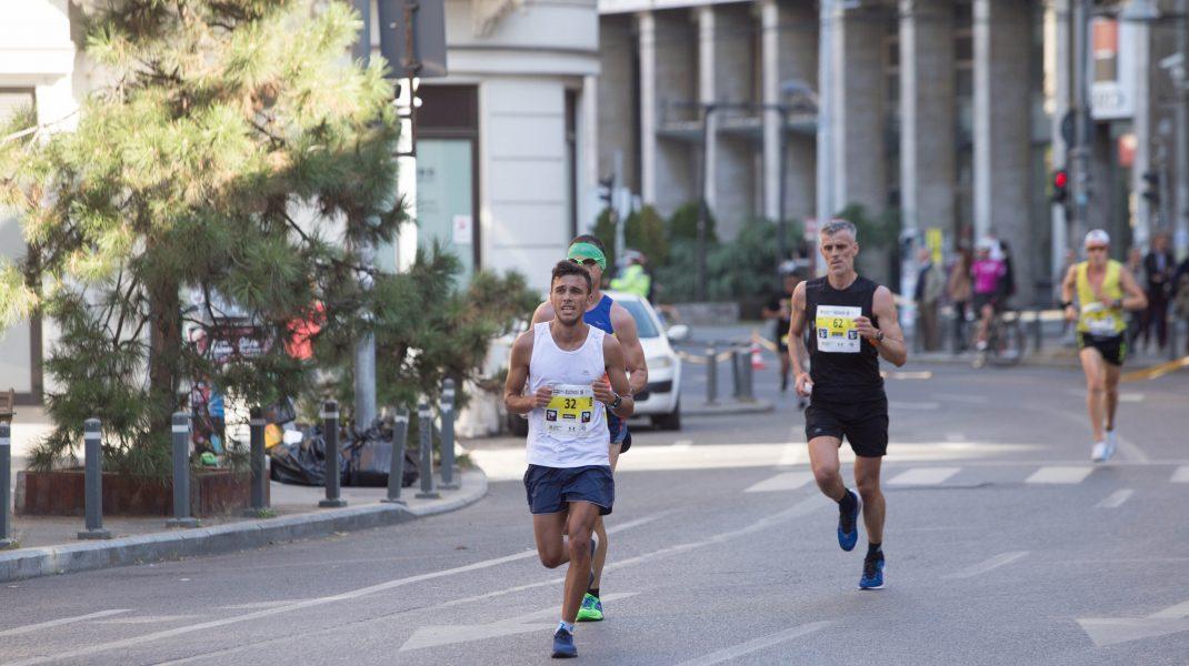 Ce se întâmplă în organism în timpul alergării și cum trebuie să acționezi în cazul întinderilor musculare. Explicațiile medicului ortoped