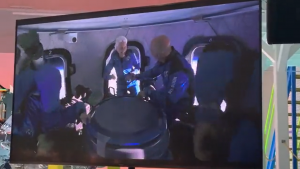 Imagini din interiorul rachetei lui Jeff Bezos.