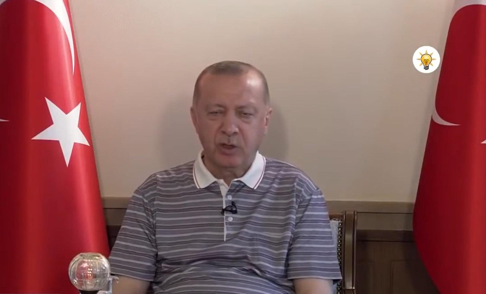 VIDEO. Momentul în care președintele Turciei adoarme pentru o fracțiune de secundă, în timpul unui discurs ținut în fața partidului său