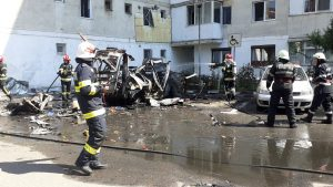 Camionetă care a explodat la Vâlcea.