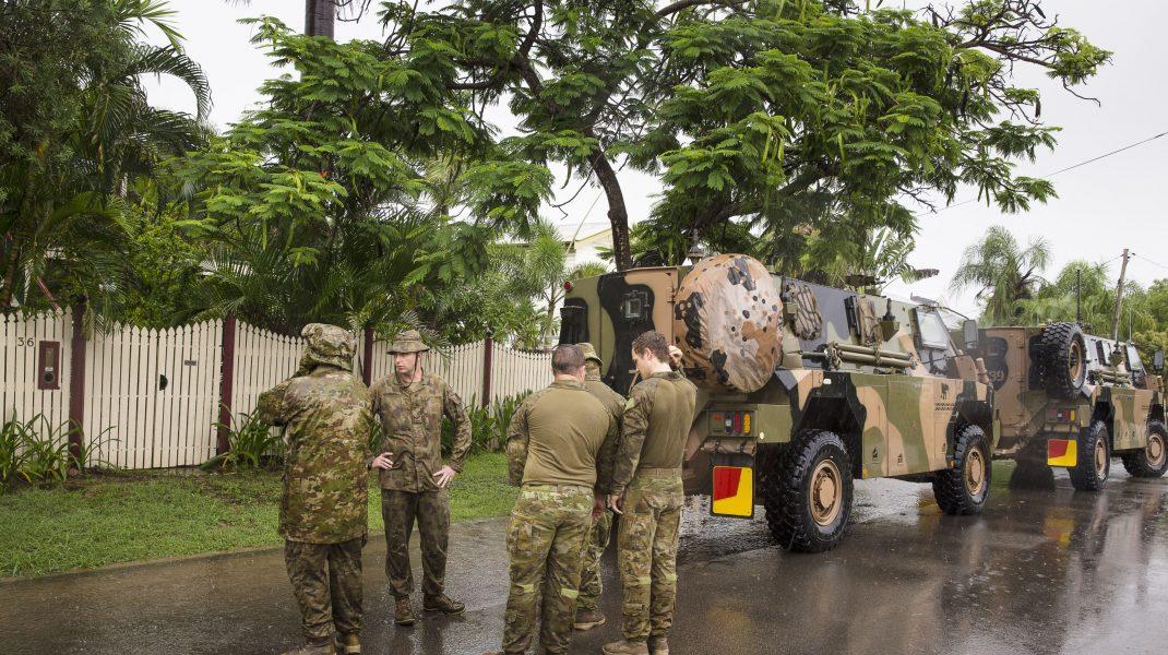 militari australieni pe strada