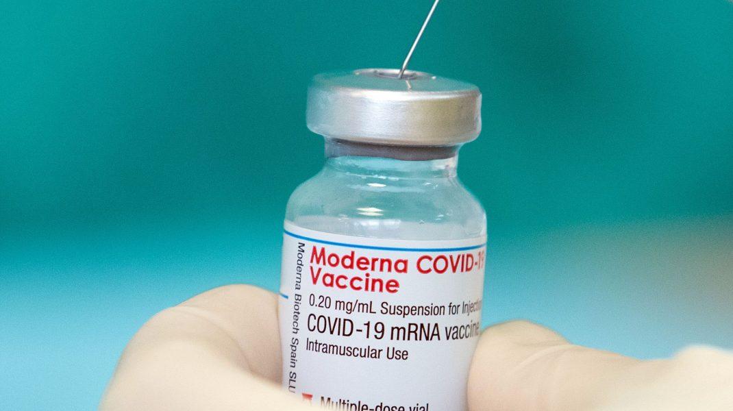 Doză de vaccin anti-COVID Moderna.