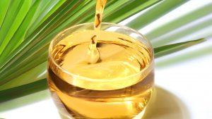 Recipient cu ulei de palmier.