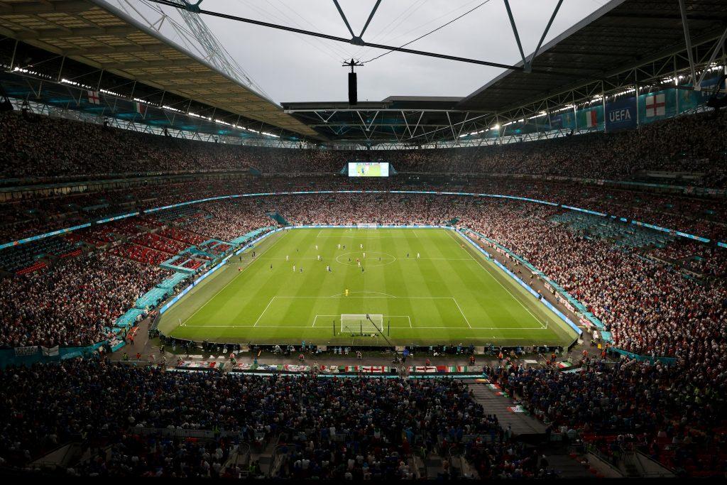vedere generala cu stadionul wembley in timpul finalei euro 2020.