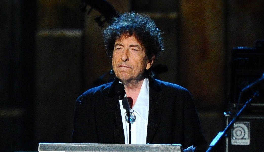Bob Dylan, acuzat că a agresat sexual o fetiță de 12 ani în 1965. A abuzat-o timp de 6 săptămâni