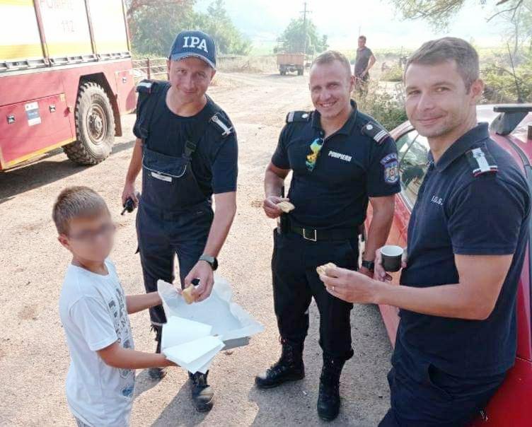 copilul grec si pompierii romani