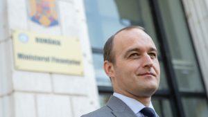 Dan Vîlceanu în fața Ministerului de Finanțe. Foto: gov.ro